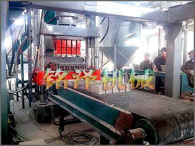 液压制砖机